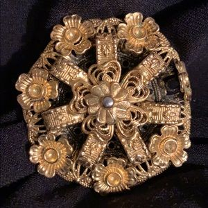 Jewelry - Vintage 80s brooch